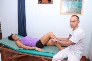 fratura da peròneo , osso, lateral,interno, dor, consulta, palpação