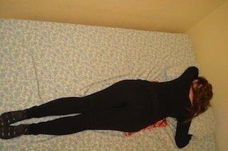 cama propensas posturas-noite-coluna-dor-inflamação-colchão-sono