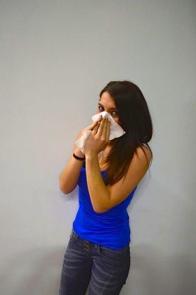 Jovem,gripe,limpar, nariz