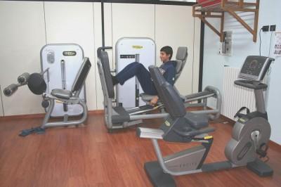 exercício de reforço muscular, leg press, joelho, músculos, quadríceps