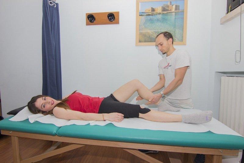 El dolor en los riñones y las separaciones sanguíneas entre mensual