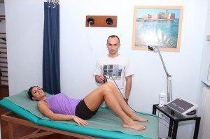 ultrasonidos terapia, espalda, espalda, presa, rodillas, refuerzo, stretching, postura, dolor