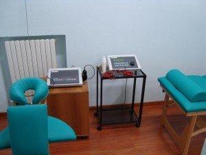 máquinas de los ultrasonidos y electroterapia, espalda, espalda, presa, rodillas, refuerzo, stretching, postura, dolor, lombalgia, fisioterapia y rehabilitación, raquis, pies, espalda, electrodos, adhesivos, mojadores, gel