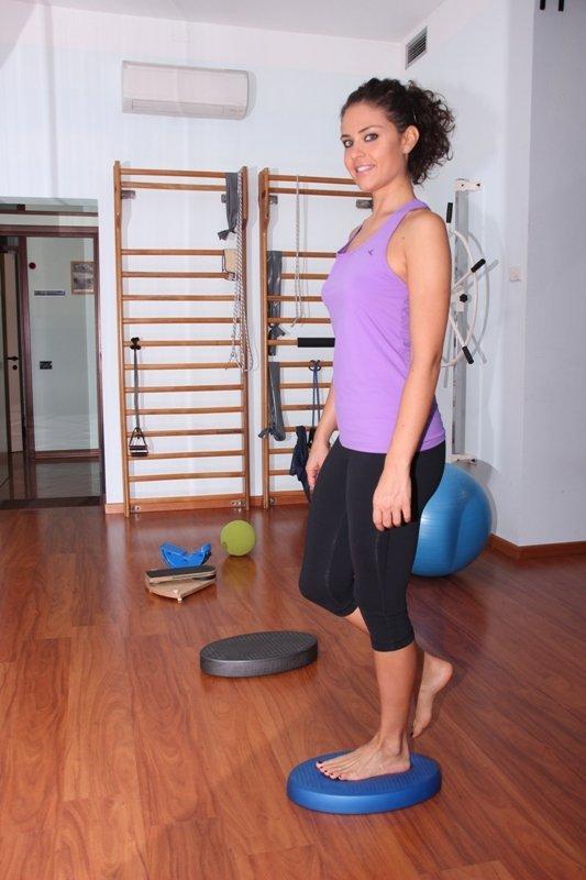 esguince de rodilla, ejercicio, equilibrio