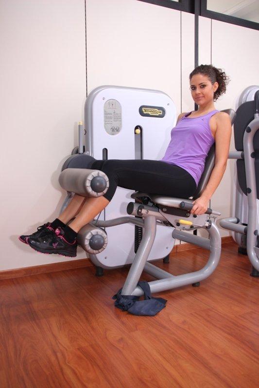 Curl de piernas, refuerzo, músculos, posteriores, muslo, inflamación