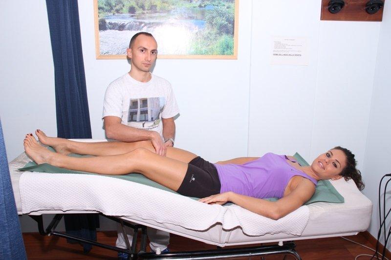 masaje, fibromialgia, contracturas, dolor, muscular, terapia, tratamiento, relajación
