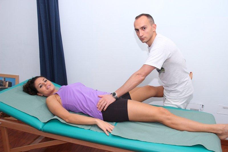 Rehabilitación, la fractura, la pelvis, los huesos rotos, lesiones, ejercicios, fisioterapia pasiva