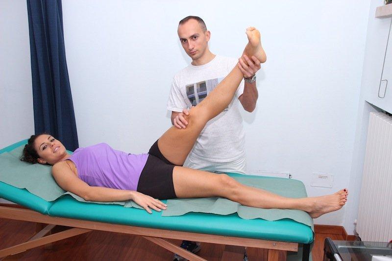 test, ciático, espalda, piernas, movimiento, levantar, dolor, hormigueo, debilidad