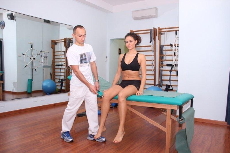 prueba, reflejo, rotuliano, niervo, ciático, rodilla, espalda, lumbar