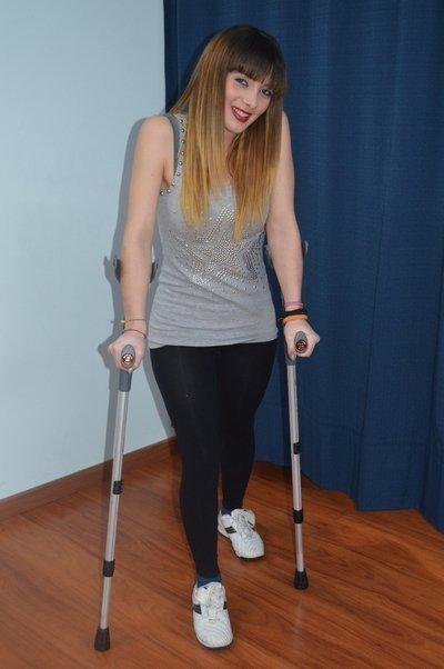 Necrosis, muletas, dolor de cadera, rodilla, pie