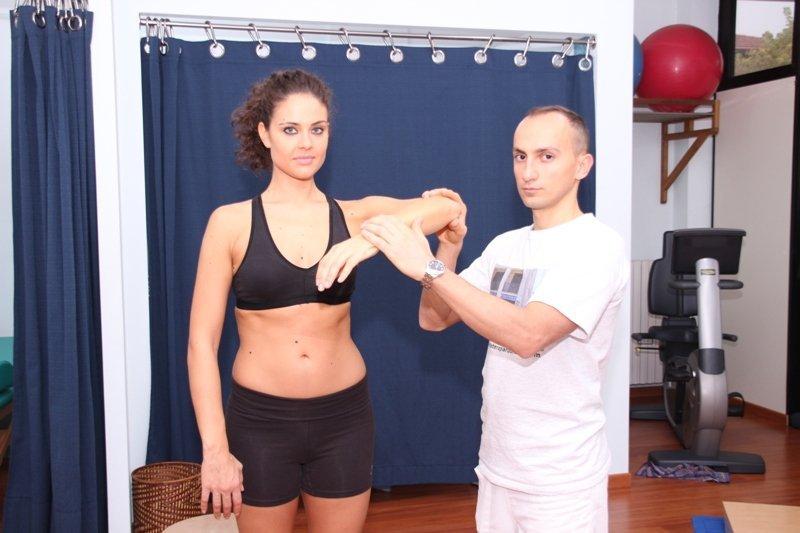 fractura, el hombro, la fisioterapia, los ejercicios, la rotación, el dolor, el dolor, la movilización