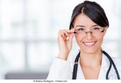 Doctora, joven, anteojos
