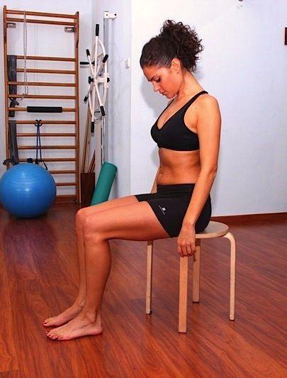 ejercicio cervical, dolor de cabeza, flexión