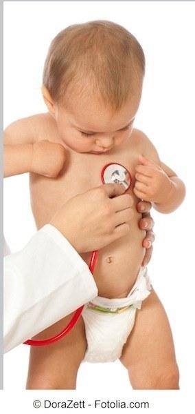 Niño,lactancia materna, médico
