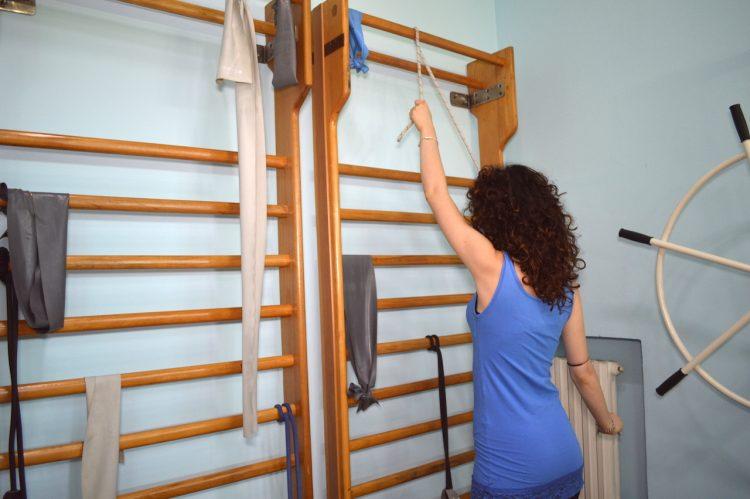 ejercicio para el hombro, con la cuerda